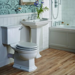 Heritage Blenheim Close Coupled Toilet with Ceramic Lever