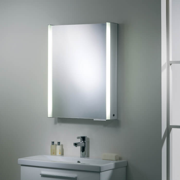 6004 Single Illuminated Mirror Cabinet 544x700mm